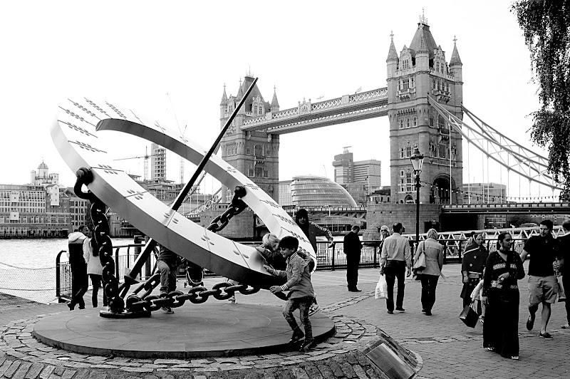 La meridiana del Tower Bridge di Andrea1985