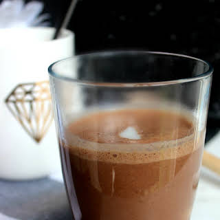 Rich and indulgent healthy hot chocolate {V, GF, DF}.