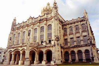 Photo: #002-La Havane-Le musée de la Révolution, installé dans l'ancien palais présidentiel.