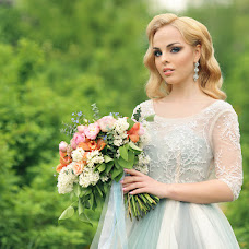 Wedding photographer Gulnaz Sharafutdinova (Gulnaz2). Photo of 08.06.2016