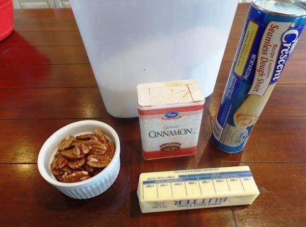 Ingredients  1 Crescent Dough Sheet, cinnamon, butter, pecans, sugar