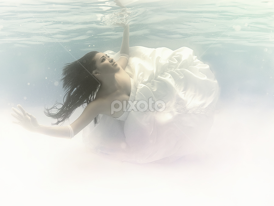 Dance in The Water by Tito Adinoegroho - People Portraits of Women