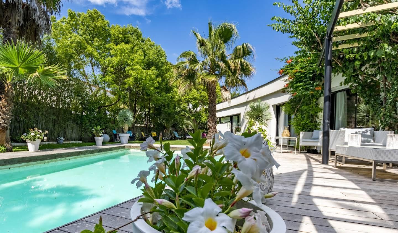 Maison contemporaine avec piscine et jardin Montpellier