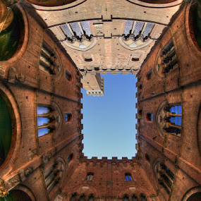 Torre Del Mangia by Luca Libralato - Buildings & Architecture Statues & Monuments
