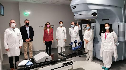 Amancio Ortega dona un nuevo acelerador lineal a los pacientes de Torrecárdenas