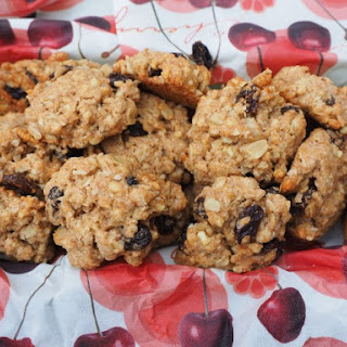 Essential Crunchy Oatmeal Cookie.