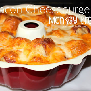 ~Bacon Cheeseburger Monkey Bread!