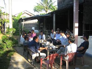 Photo: Ở quán cà phê bên đường (Trà Vinh)