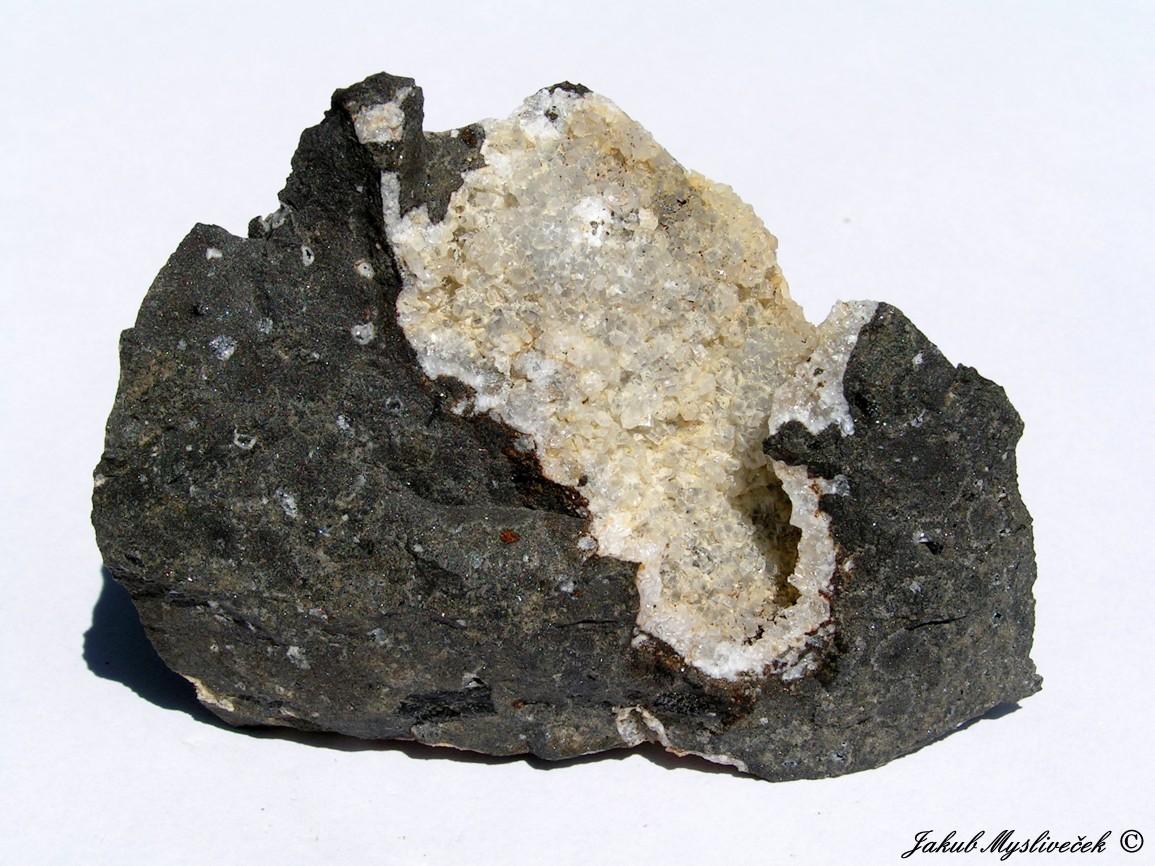Photo: Dutina thomsonitu (Rytina soutěska). Velikost vzorku 80 mm. Nalezeno dne 1.7. 2016.