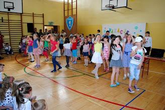 Photo: Rozpoczynamy uroczystość zakończenia roku szkolnego! Radosny występ klas 2 a i 2 b :-)