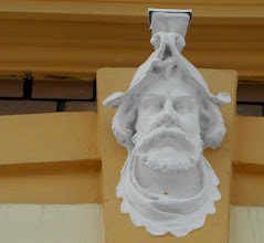 Photo: This is above each window on the first floor in the previous picture