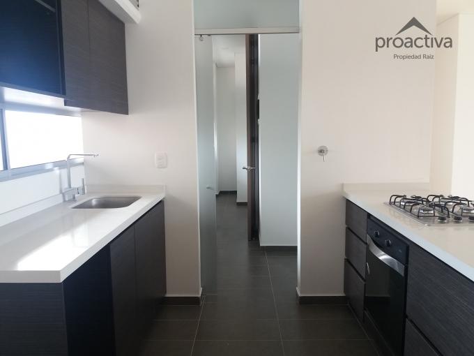 apartamento en arriendo poblado 497-4901