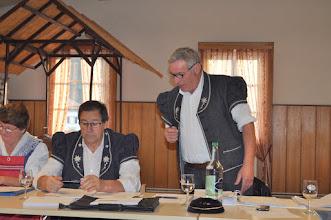 Photo: Lecture de la liste des nouveaux membres