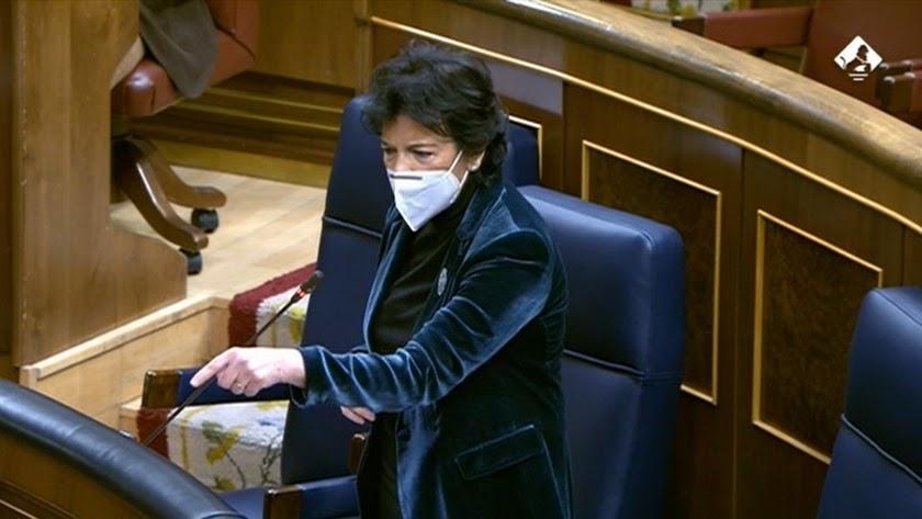 Isabel Celaá en el pleno del Congreso de este miércoles.