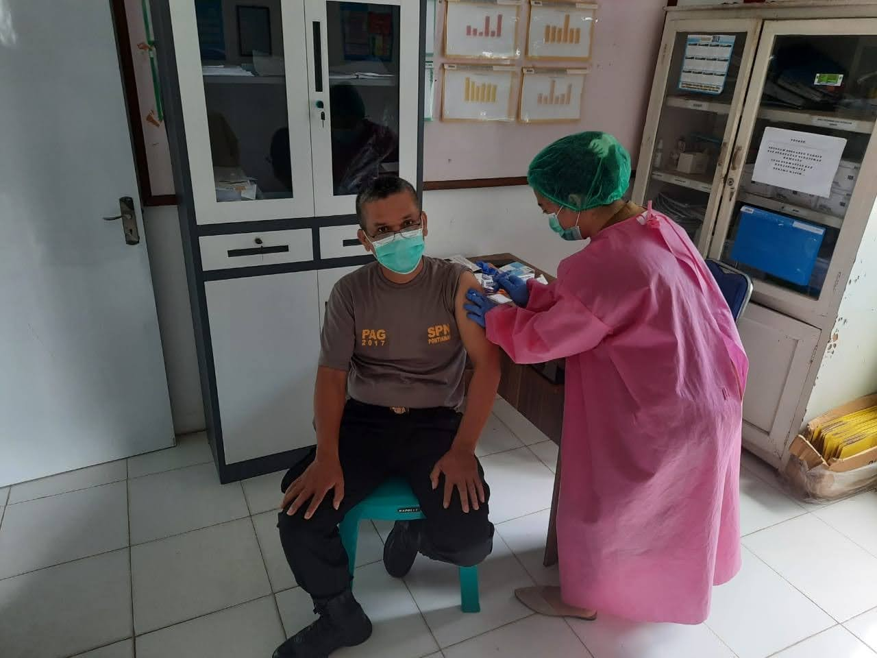 Penyuntikan Vaksin Covid-19 di Jajaran Polsek Capkala