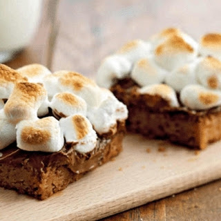Warm Toasted Marshmallow S'more Bars.
