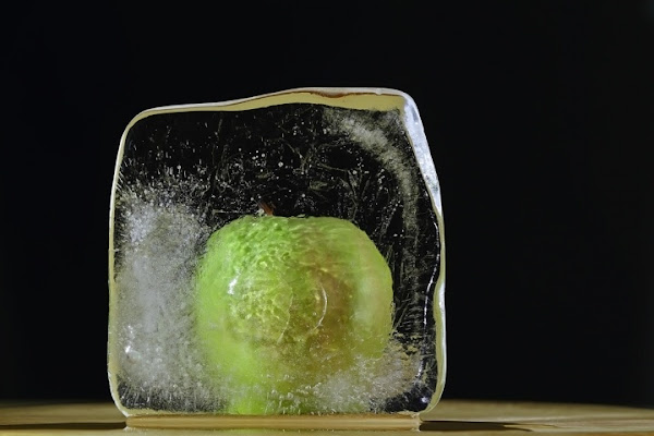 Apple ice cube di Damiano