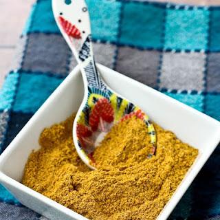 Homemade Mild Curry Powder