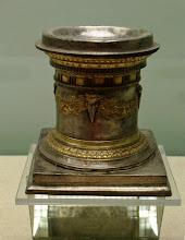 Photo: Silver altar from the hoard found under the house of Eupolemos in Morgantina, 3rd century BC .......... Zilveren altaar uit de zilverschat die begraven was onder het huis van Euopolemos in Morgantina, 3de eeuw v.C.