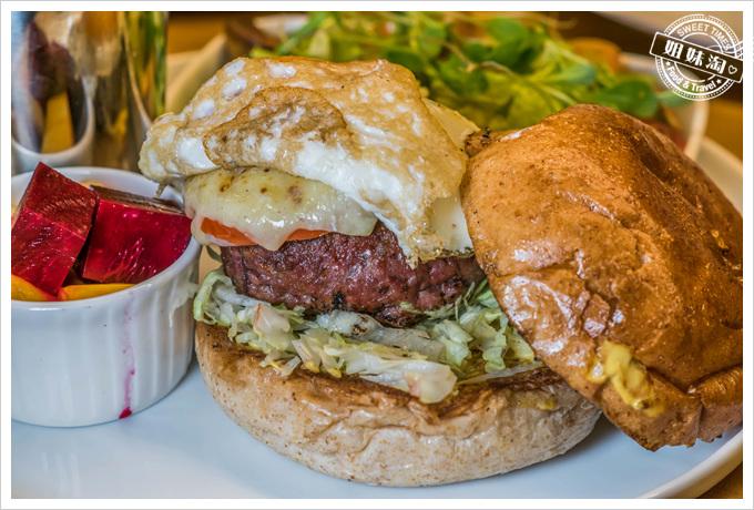 挑食Gien jia有點乾的漢堡
