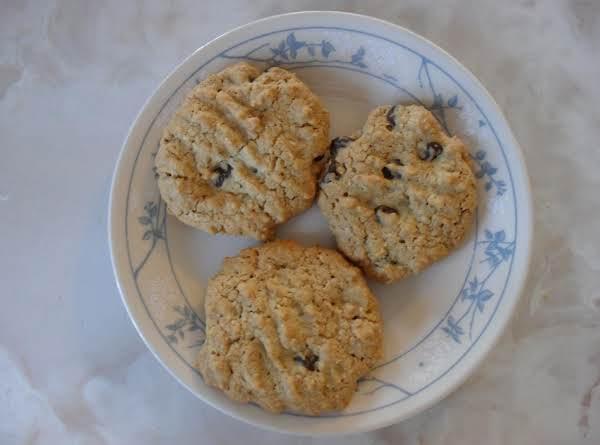 Oatmeal Chocolate Chip Peanut Cookies