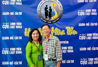 Photo: chị Trần Chiêu Hiền (SVLK Cần Thơ) & phu quân Nguyễn Hoàng