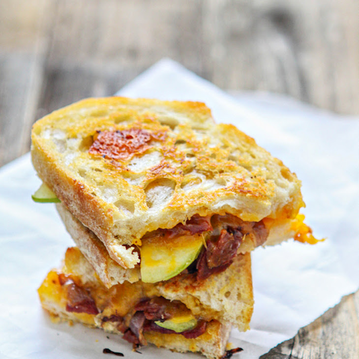 Bacon, Apple and Cheddar Grilled Cheese