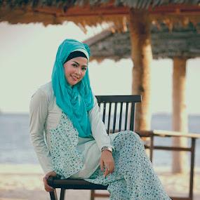 Beauty of Hijab by Eka Tooleh - People Fashion