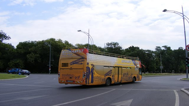 Bucharest city tour bus from Unirii Square