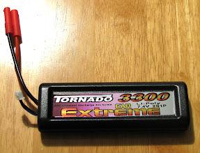 Photo: Overlander Tornado Extreme GP 3300mAh 7.4v LiPo Pack ja itse juotetut akun liittimet