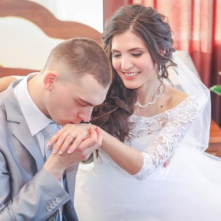 Wedding photographer Ekaterina Abuzyarova (Koshka301086). Photo of 20.02.2017