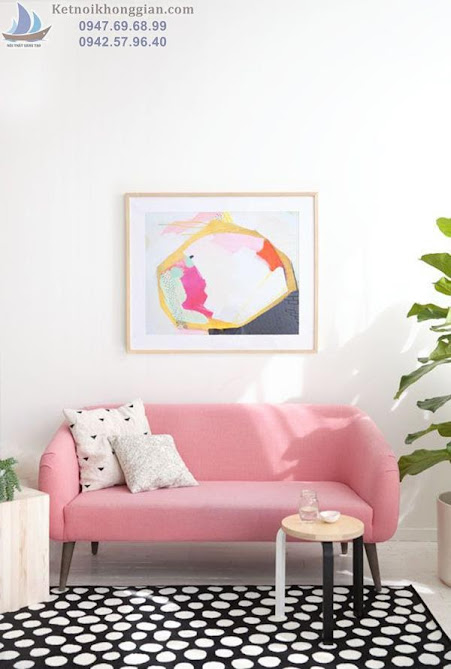 thiết kế phòng khách với màu hồng kết hợp đen trắng