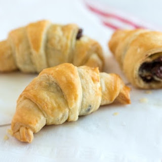 Sinfully Easy Mini Croissants with Chocolate.