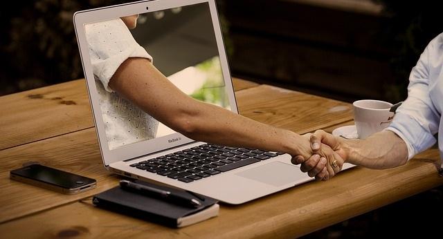 Các bạn nên tìm hiểu kỹ lưỡng về đơn vị thu mua laptop
