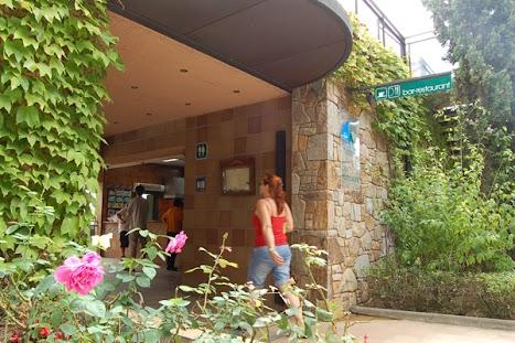 Bar-Restaurant La Vela · Camping Cala Llevadó