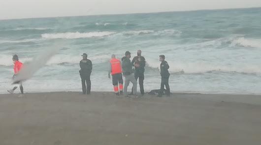El mar arroja los cadáveres de una menor y un hombre a las playas de Mojácar