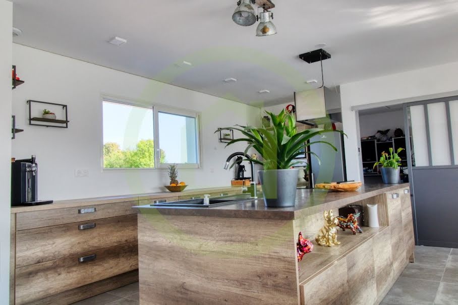 Vente maison 4 pièces 108 m² à Caussade (82300), 263 900 €