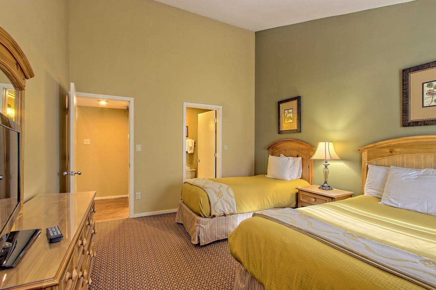 Two Bedroom Suite Picture Number 15