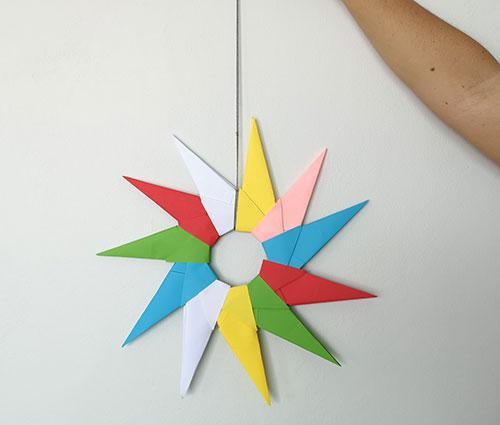 שמש צבעונית מאוריגמי