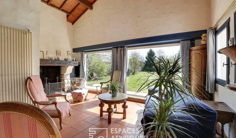 Maison avec piscine et terrasse Tosse