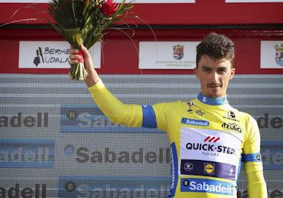 Man in vorm Julian Alaphilippe duidt zijn favorieten voor de Amstel Gold Race aan