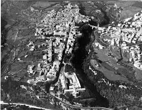 Photo: Veduta aerea sul centro storico e parte della città a destra del Rio Maggiore. Anni '60.