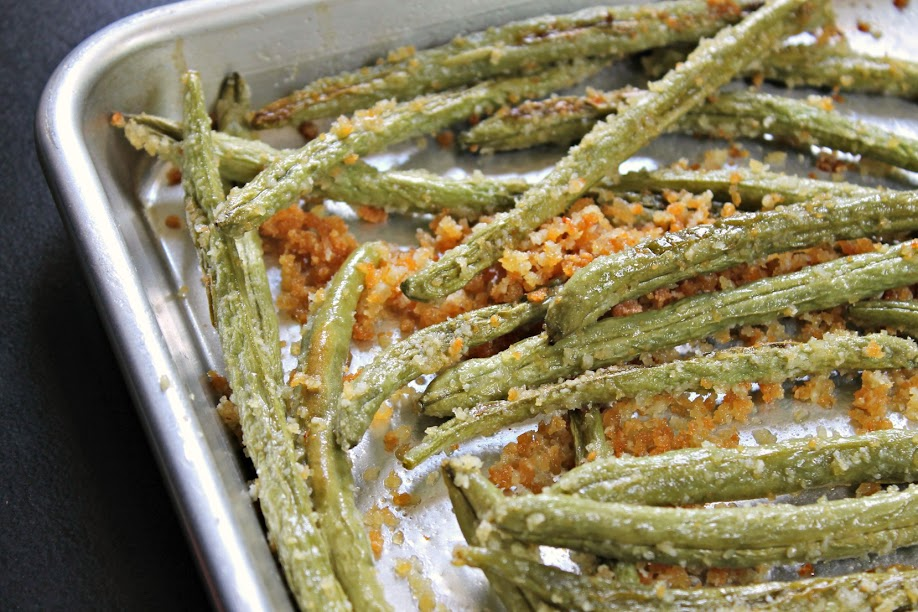 Roasted Parmesan Green Beans with Garlic - a recipe using fresh green beans right from the garden