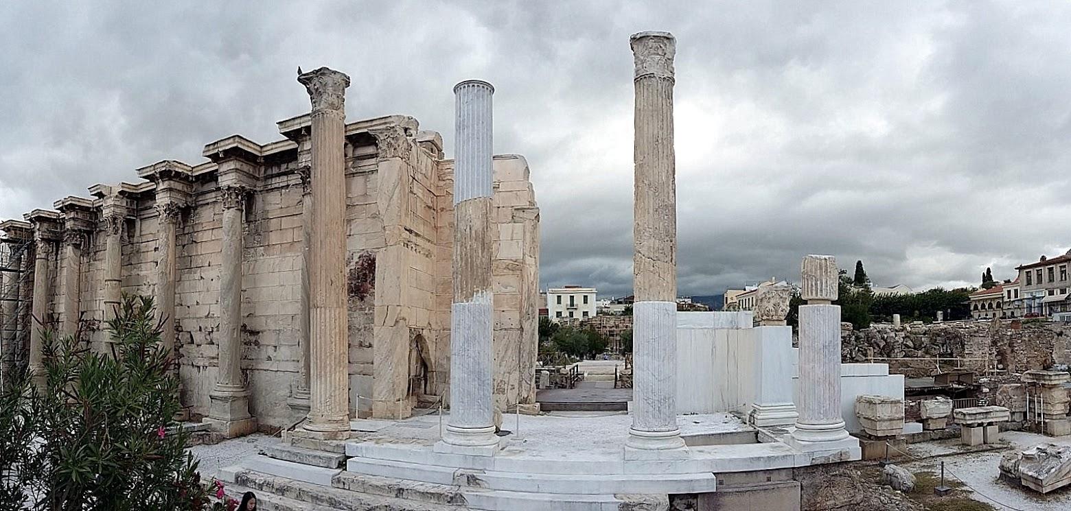 Cosa vedere Atene Monastiraki e Biblioteca di Adriano