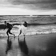 Wedding photographer Magda Wozaczynska (mmwstudio). Photo of 13.12.2014