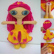 Photo: Boneca leda #8 Muñeca de fieltro cosida enteramente a mano, pelo de lana, cara pintada con pintura de tela. Numeradas y con certificado de adopción, no hay dos iguales. Semi personalizable.