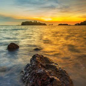 Alone  by Najmi Rooslan - Landscapes Sunsets & Sunrises ( water, gnd, sea, malaysia, beach, landscape, teluk gong, soft, sunset, uwa, malacca, melaka, nikon )