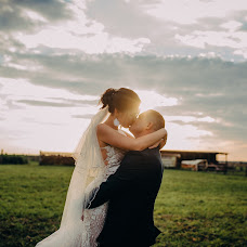 Wedding photographer Darina Cherniy (creativeph). Photo of 27.07.2018