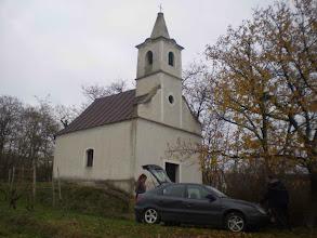 Photo: Ellenőrzőpont a Bács-hegyi kápolnánál.A huplit(Köves-hegy)végül csak kerültük,nem mentünk fel rá.