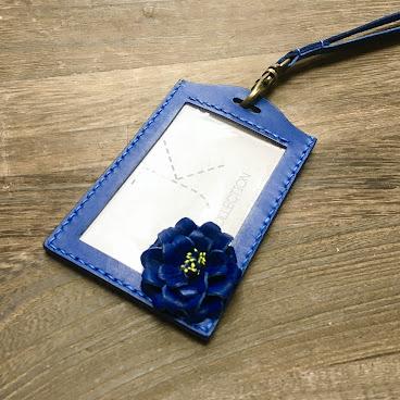 彩藍色皮革櫻花證件套